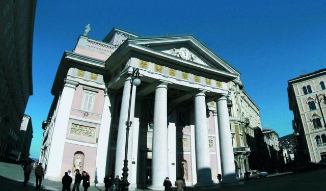 Piazza della Borsa, Camera di Commercio