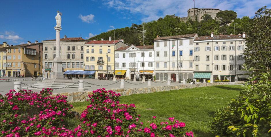 Castello e Piazza Vittoria
