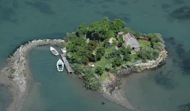 Laguna Grado isola Biviacqua